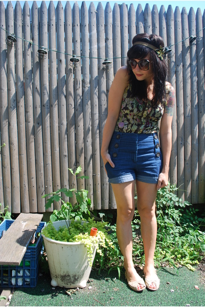 kensiegirl shorts - Mac & Jac blouse - DIY - random store sunglasses