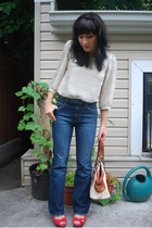 vintage jeans - H&M top - thrifted belt - Zara shoes