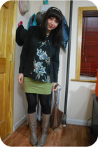 kensiegirl skirt - vintage boots - vintage top - Uniqlo tights