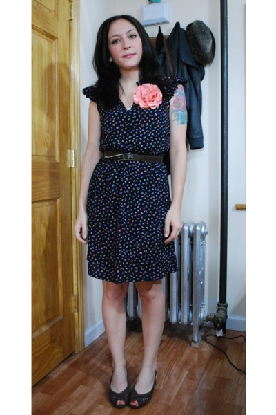 vintage dress - vintage belt - payless shoes
