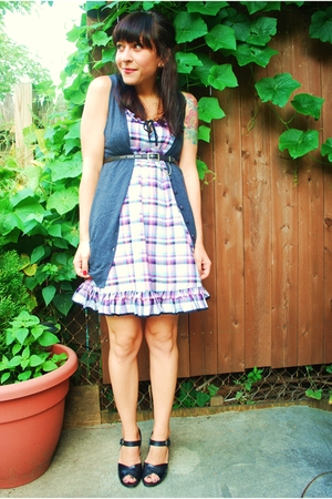 kensiegirl dress - kensie vest - vintage belt