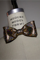In TIme For New Years Eve 2014 Hologram Laser Foil Dot Bow Tie Ships Overnight!
