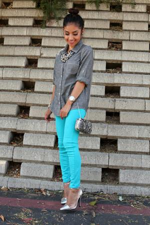 aquamarine skinny Bebe jeans - silver Old Navy shirt