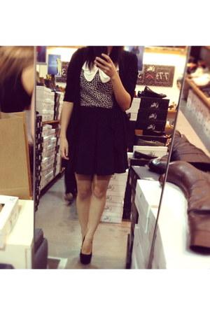 Wittner heels - collar Sunny Girl blouse - pleated Sunny Girl skirt