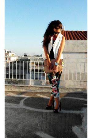 black H&M pants - nude Zara bag - black Zara heels - white Zara vest