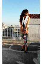 black H&M pants - nude Zara bag - black Zara heels - white Zara vest