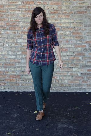 navy JCrew shirt - light brown Steve Madden shoes - olive green madewell pants