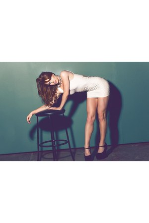 white Bebe dress - black Nasty Gal heels - H&M necklace