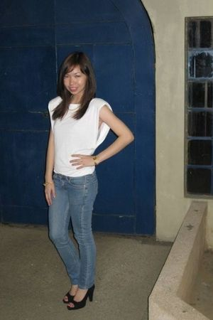 white Mango top - random brand jeans - black francesco shoes - gold vintage acce