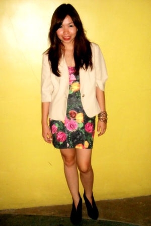 gray Pink Manila dress - beige thrifted blazer - black Aldo boots - Vintage from