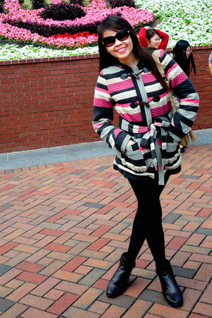 Ebay boots - Ebay coat - vintage leggings - LN bag - Guess sunglasses