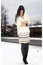 white H&M Trend sweater - black alexander wnag boots