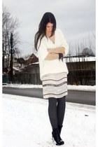 white H&M Trend sweater - black alexander wnag boots