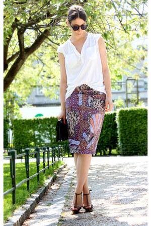 bubble gum acne skirt - cream H&M t-shirt - light brown Burberry heels
