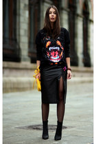 black Givenchy sweater - yellow Marc by Marc Jacobs bag