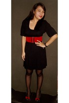 black thrifted dress - red random brand belt - black thrifted shoes