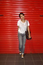 white random brand top - gray Levis jeans - black Thrift Store shoes