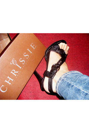 Chrissie shoes