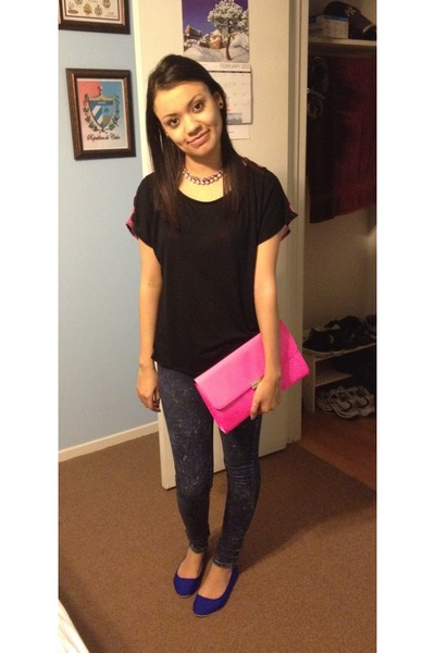 hot pink Forever21 bag - black Forever21 top - blue Urban Outfitters flats