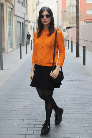 Bershka skirt - vICTORIA sneakers