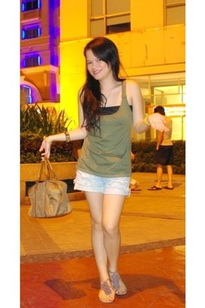 brown bag - off white shorts - dark khaki top - light purple flats