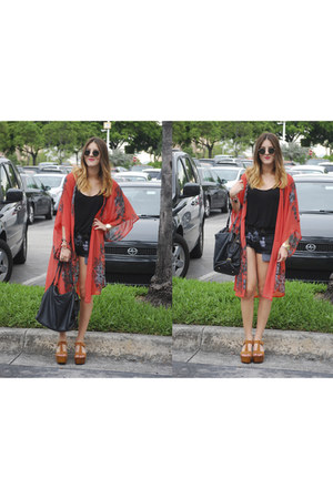 Bebe shirt - longchamp bag - LF shorts - ray-ban sunglasses - Forever 21 cape