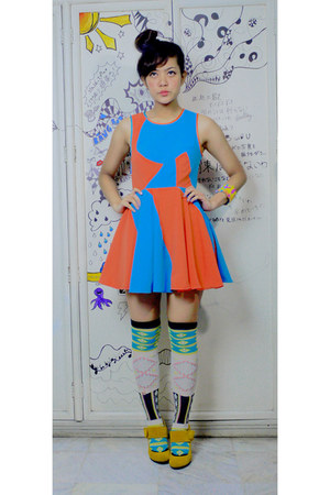 yellow woven Aidenopoly DIY bracelet - carrot orange Aidenopoly DIY dress