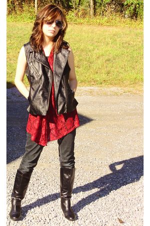 black Forever 21 vest - red vest - black pants - black Target boots