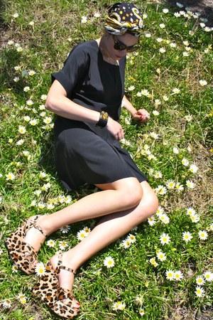 black silk Chloe dress - worn as turban pucci scarf - cat eye Celine sunglasses