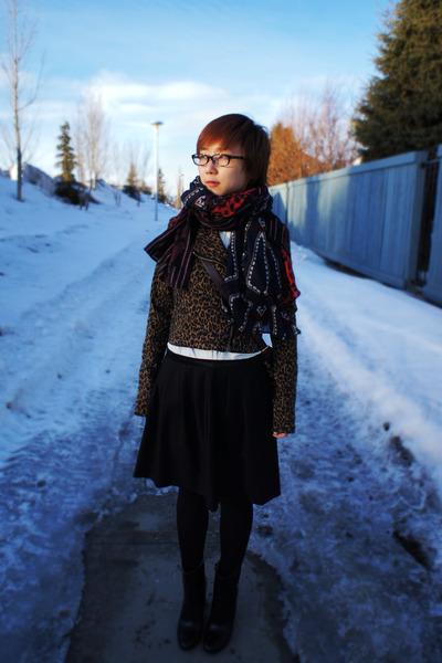 brown leopard jacket - black skirt