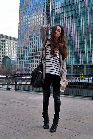 striped shirt - black biker boots - black leather panels leggings