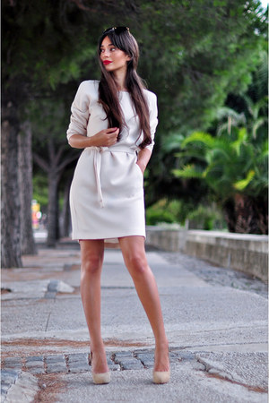 beige belted pocket Reiss dress - black cat eye Miu Miu sunglasses