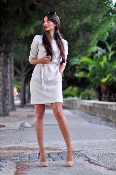 beige belted pocket Reiss dress - black cat eye Miu Miu sunglasses