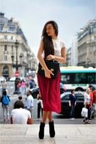 crimson midi Massimo Dutti skirt - black suede Nelly boots