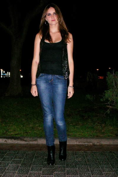 black Stradivarius shirt - silver Stradivarius vest - blue H&M jeans - black Zar