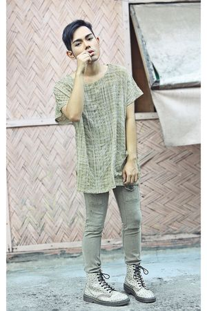 beige pineapple princess top - beige hongkong pants - beige Dr Martens boots