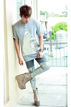 silver Gold Dot boots - silver Topshop leggings - silver Paradigm Shift shirt
