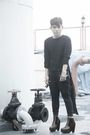 Black-thrifted-top-black-from-bangkok-pants-brown-soule-phenomenon-boots-b