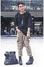 Black-hongkong-shirt-beige-hongkong-pants-black-soule-boots-black-thrifted
