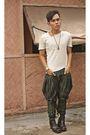 White-don-protasio-shirt-green-de-su-pants-brown-no-boundaries-boots-brown