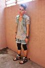 Blue-masculo-vest-blue-tout-a-coup-shorts-gray-lowrys-farm-shirt-black-top