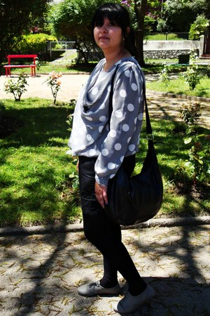 heather gray Secondhand blouse - black Opposite shorts