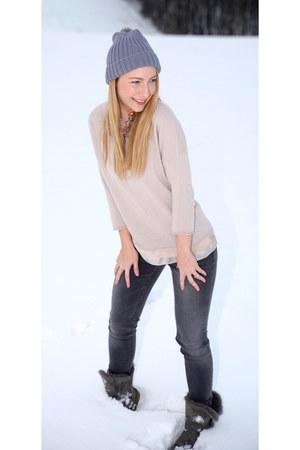 Ugg boots - Zara jeans - GCfontana sweater