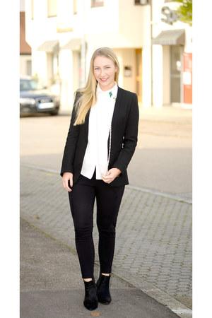 joop boots - Zara blazer - romwe blouse - Guess pants
