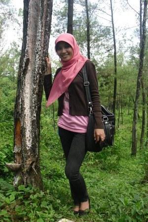 bubble gum silk Zara scarf - black silk Forever 21 bag