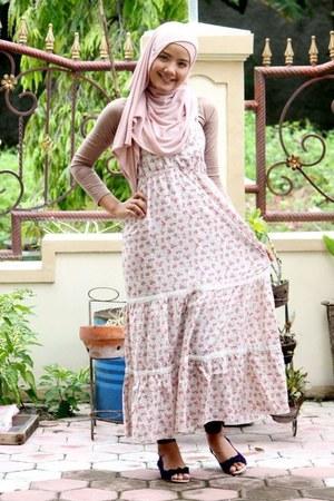 ivory silk Vero Moda dress - ivory silk Zara scarf - camel silk Zara t-shirt