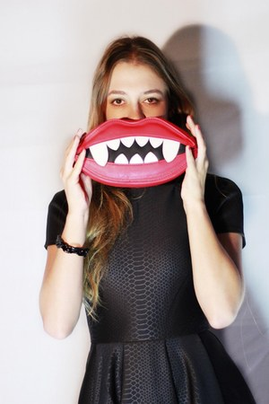 black neoprene ted baker dress - red vampire asos bag - black asos pumps
