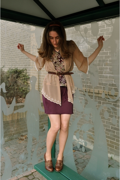 brown thrifted belt - pink vintage dress - beige alloy blouse