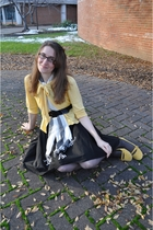 black H&M shirt - yellow Tulle cardigan - white modcloth scarf - yellow alloy sh