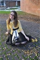 black H&M shirt - yellow Tulle cardigan - white modcloth scarf - yellow alloy sh